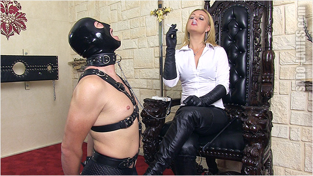 Dominant latina whips and punishes in leather 5